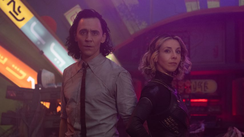 Loki (Tom Hiddleston) und Sylvie (Sophia Di Martino)