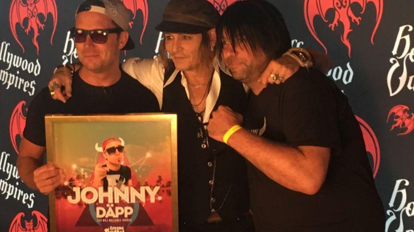 """Lorenz Büffel: Sänger von """"Johnny Däpp"""" trifft Johnny Depp"""