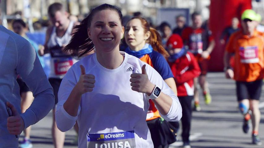 Fitnessbloggerin Louisa Dellert beim Halbmarathon in Barcelona