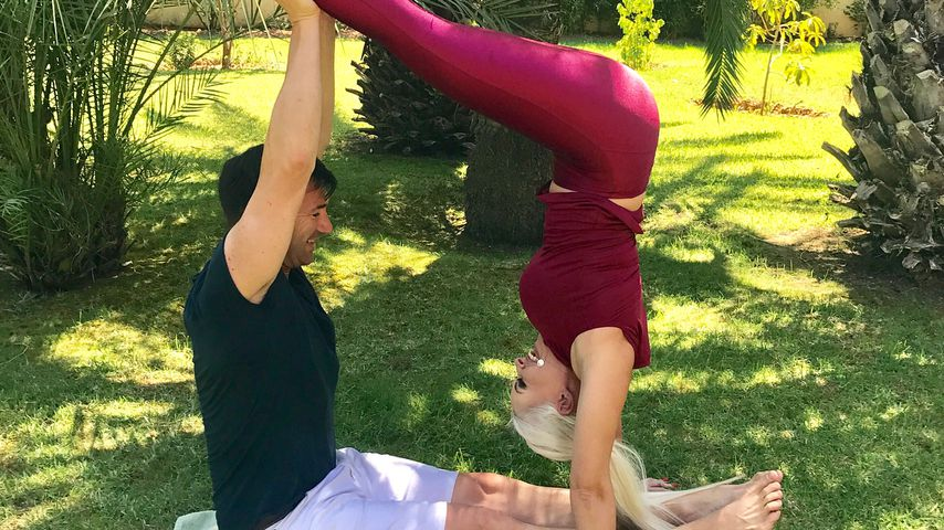 Lucas Cordalis und Daniela Katzenberger beim Yoga