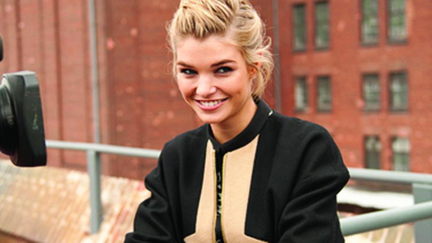 Topmodel Luisa läuft auf der Fashion Week Berlin