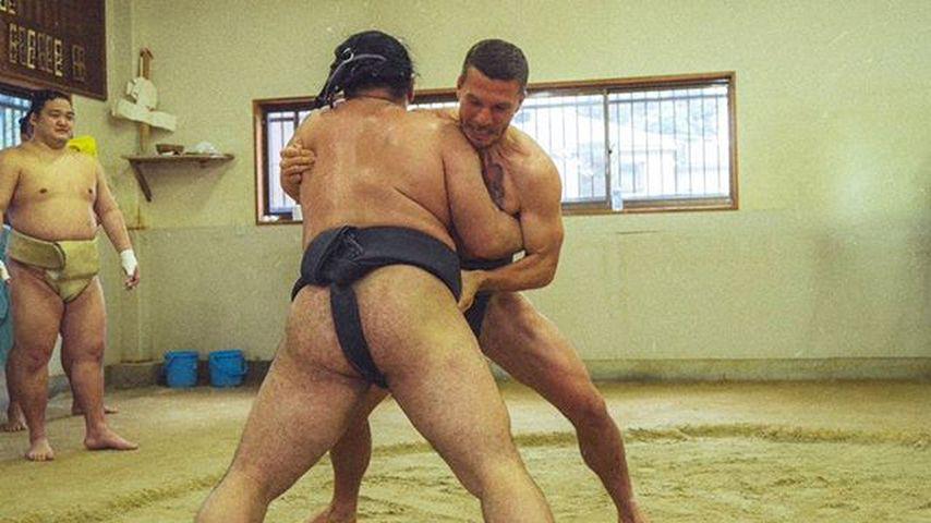 Lukas Podolski beim Sumo-Ringen, 2019