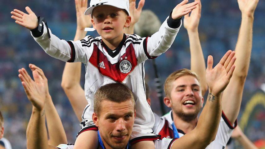 Lukas Podolski mit Sohn Louis