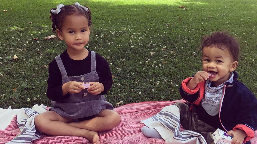 Chrissy Teigens Kinder Luna und Miles