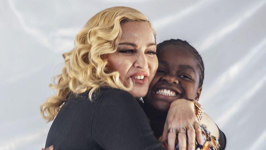 Madonna und ihre Tochter Mercy James