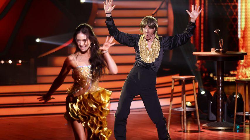 """Malika Dzumaev und Mickie Krause bei """"Let's Dance"""""""