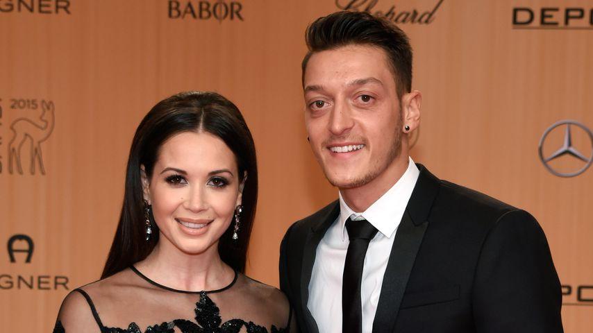 Mandy Capristo und Mesut Özil im November 2015