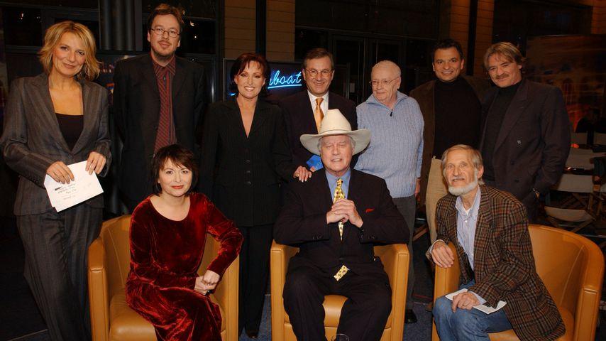 """Manfred Uhlig mit anderen Stars in der MDR Talkshow """"Riverboat"""" 2002"""