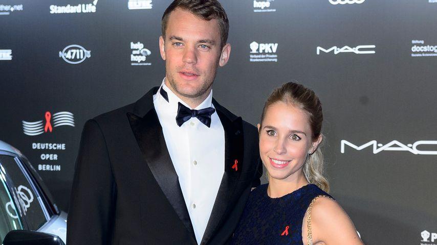 Seltenheitswert: Manuel Neuer zeigt sich mit Freundin Nina!