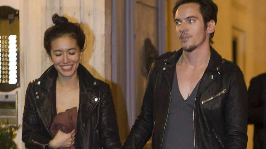Mara Lane und Jonathan Rhys Meyers in Rom
