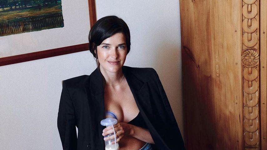 Multitasking: Hier pumpt Marie Nasemann Milch fürs Baby ab