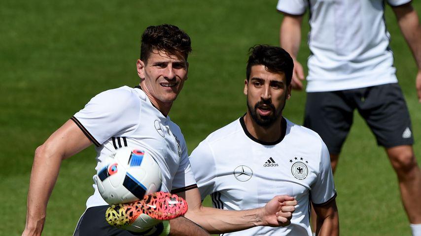 Mario Gomez und Sami Khedira, Fußballer