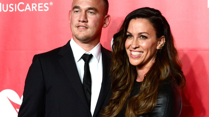 "Mario Treadway und Alanis Morissette bei der ""MusiCares Person Of The Year""-Gala"