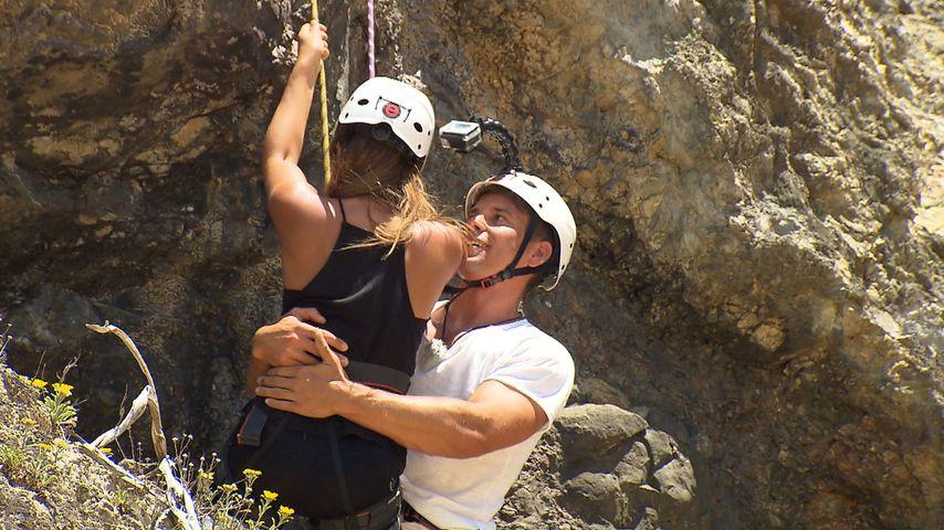 1. Körperkontakt: Bachelorette-Alisa & Mario auf Tuchfühlung