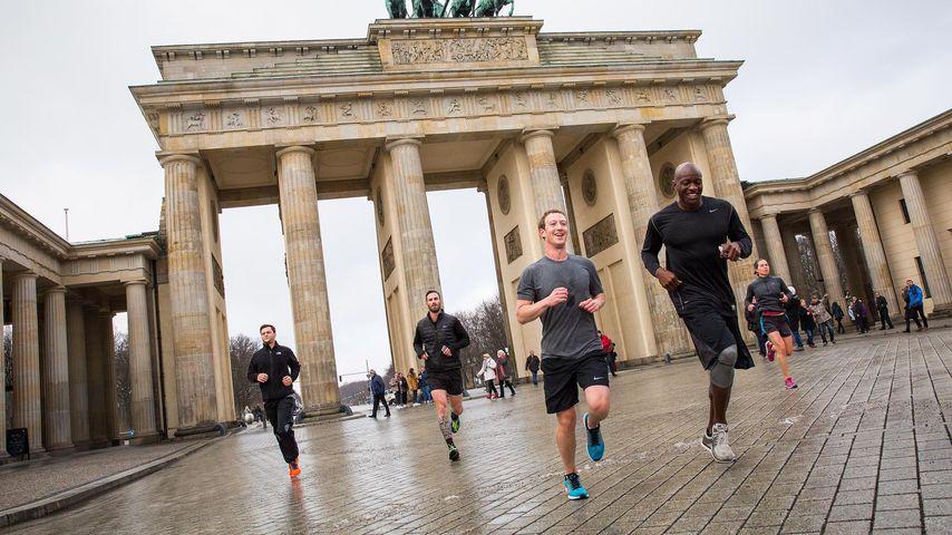 Visionär in Berlin: Mark Zuckerberg verzückt die Hauptstadt!