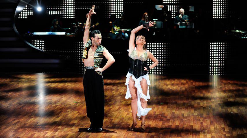 "Massimo Sinató und Sophia Thomalla bei ""Let's Dance"", 2010"