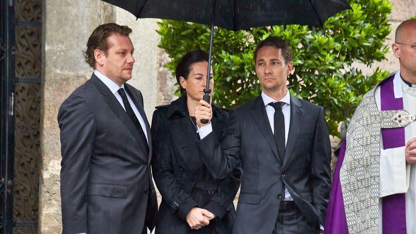Lukas, Birgit und Mathias Lauda bei Niki Laudas Beerdigung