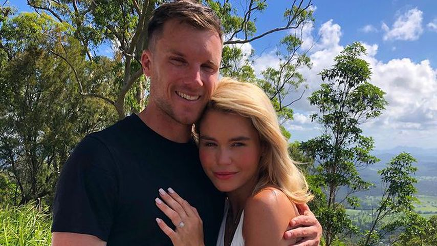 Hoch am Berg: Bachelor-Babe Simone Ormesher ist verlobt!