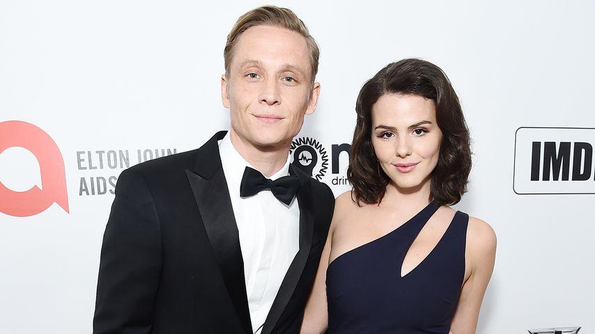 Matthias Schweighöfer und Ruby O. Fee beim Oscar-Viewing von Elton John