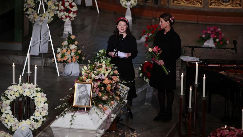 Maud Angelica Behn und Märtha Louise von Norwegen bei Ari Behns Trauerfeier