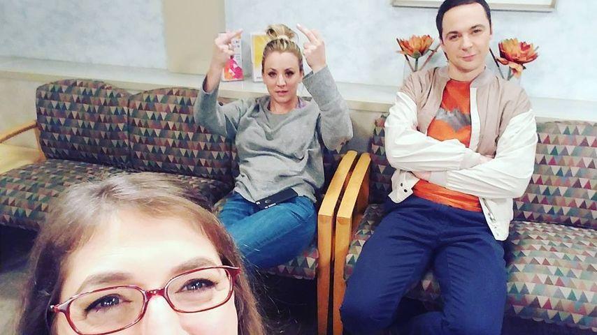 Genervt: TBBT-Star Kaley Cuoco zeigt Fans den Mittelfinger