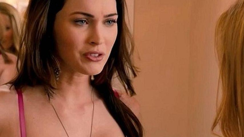 """Megan Fox zeigt Brüste in """"Immer Ärger mit 40"""""""