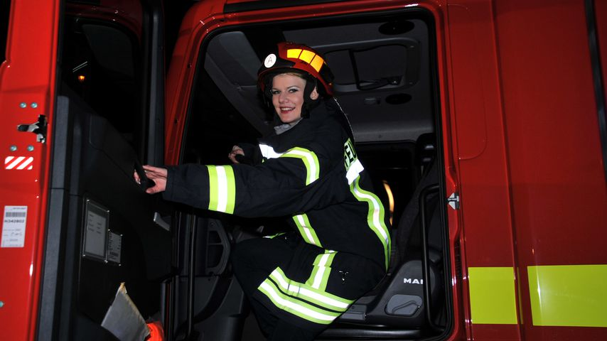 Ganz schön heiß: Feuerwehr-Auto nach Melanie Müller benannt!