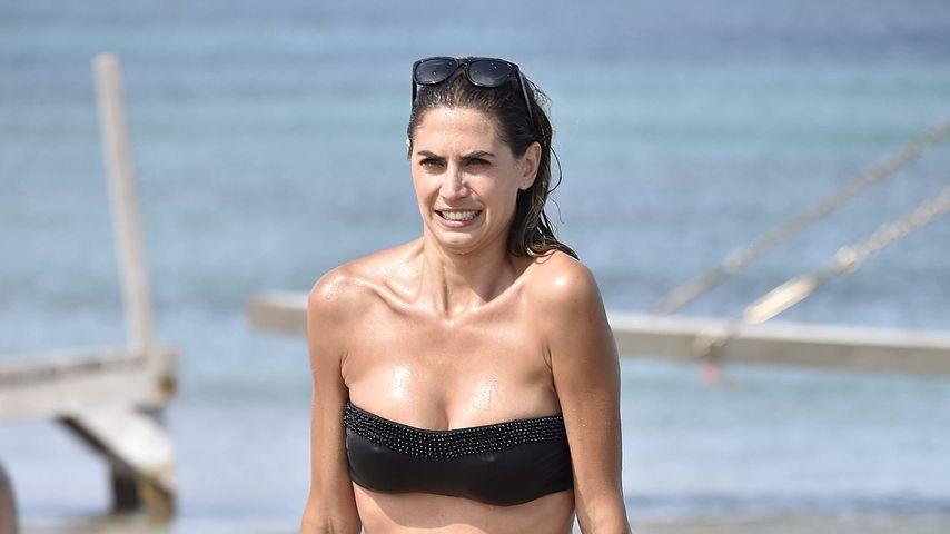 Melissa Satta im Bikini am Strand von Italien