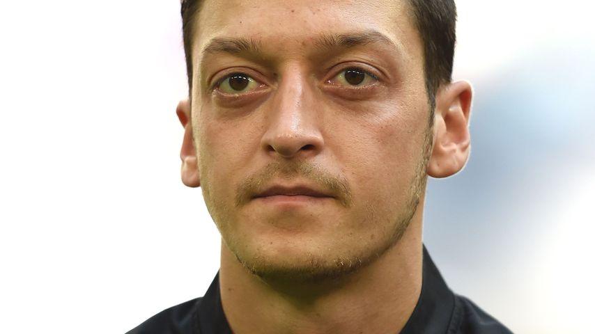 Nach Abrechnungsposts: Mesut Özil tritt aus DFB-Team zurück!