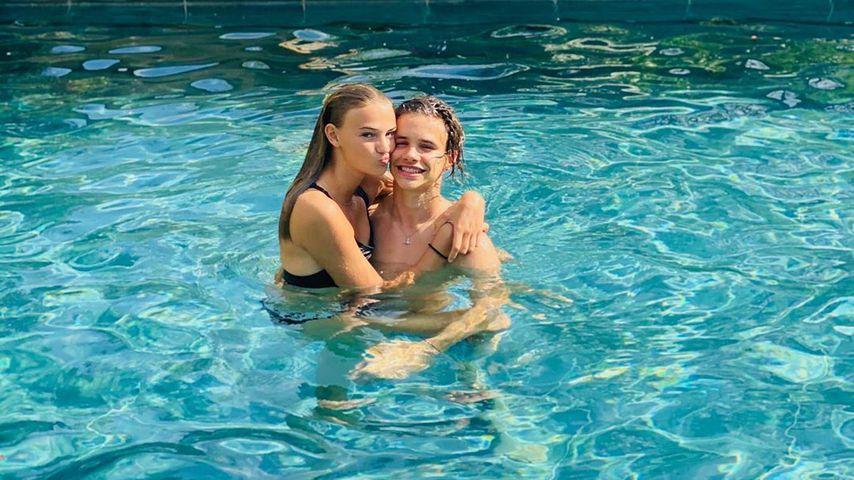 Mia Regan und Romeo Beckham im Juli 2020