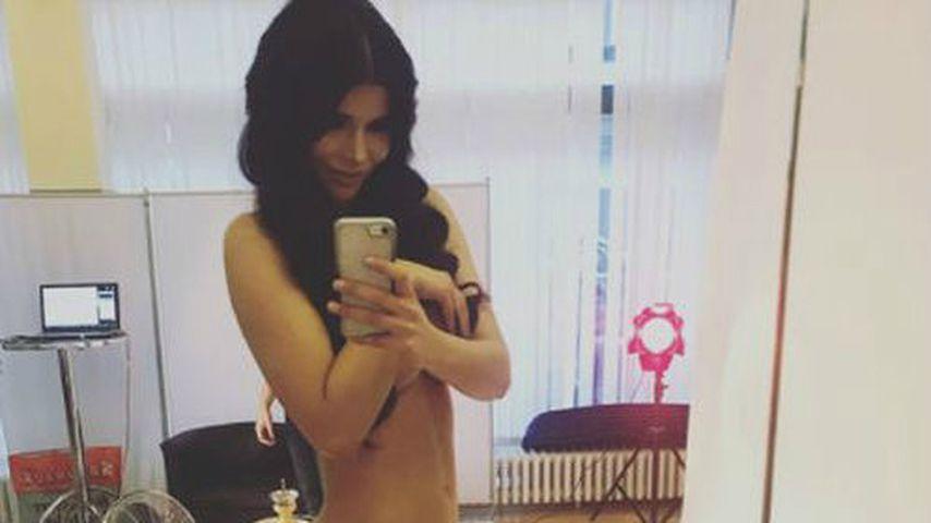 Ausgehungert: Micaela auf Orgasmus-Entzug im Sommerhaus
