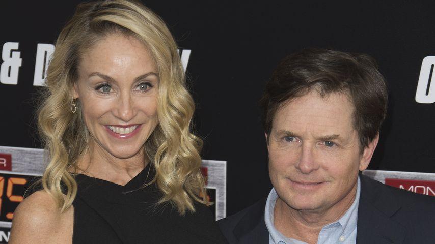 """Michael J. Fox mit Ehefrau Tracy Pollan beim Besuch der """"Zurück in die Zukunft""""-Jubiläumsfeier"""