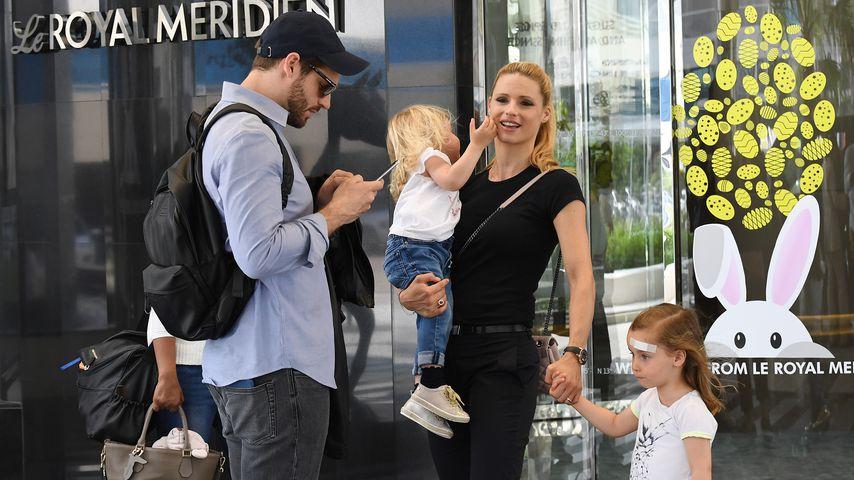 Michelle Hunziker mit Tomaso Trussardi und ihren Kids in Dubai