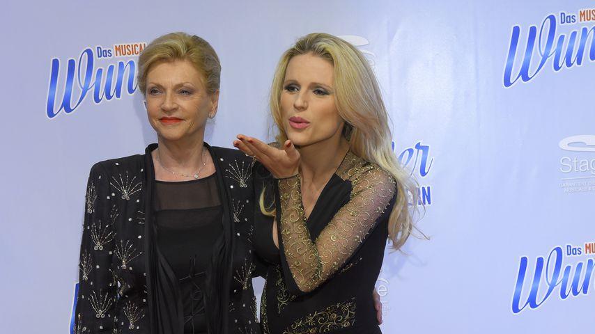 Michelle Hunziker mit ihrer Mutter Ineke bei einer Premiere 2014