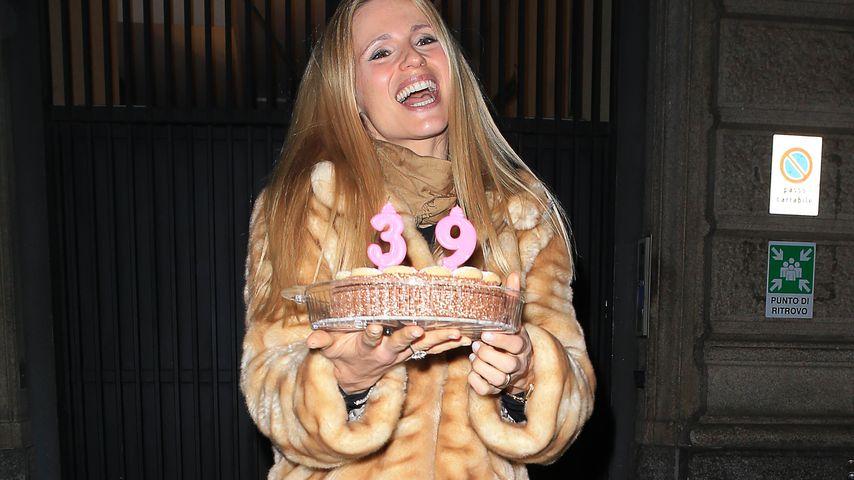 Mit Selfmade-Torte: Michelle Hunziker feiert 39. Geburtstag
