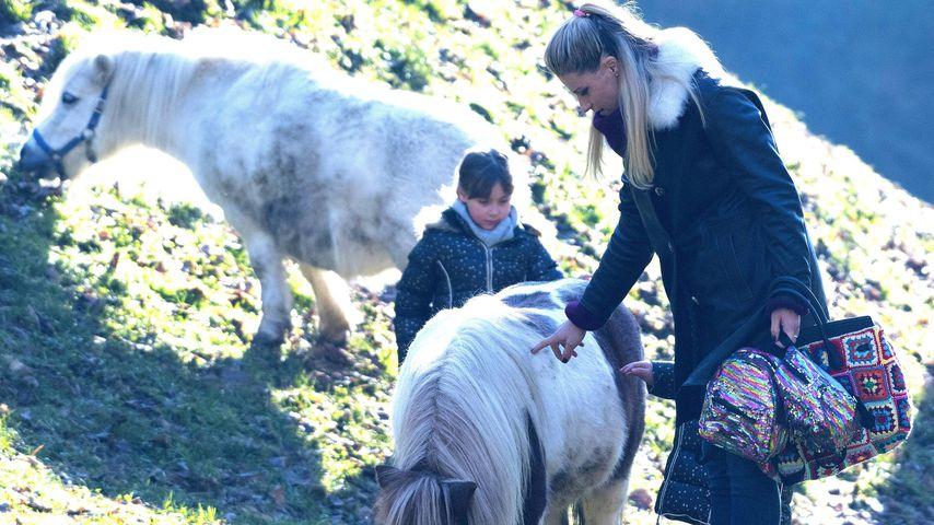 Michelle Hunziker beim Reiten mit ihren Töchtern Sole und Celeste