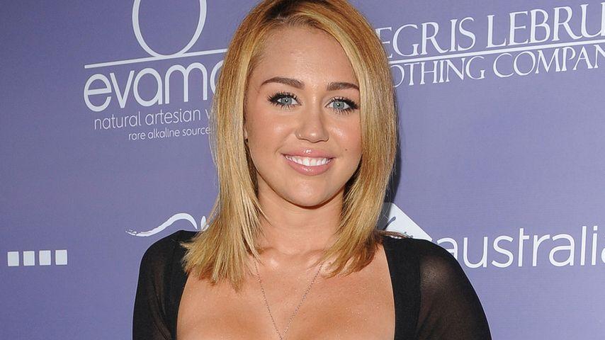 Miley Cyrus: Total elegant trotz BH-Kleid