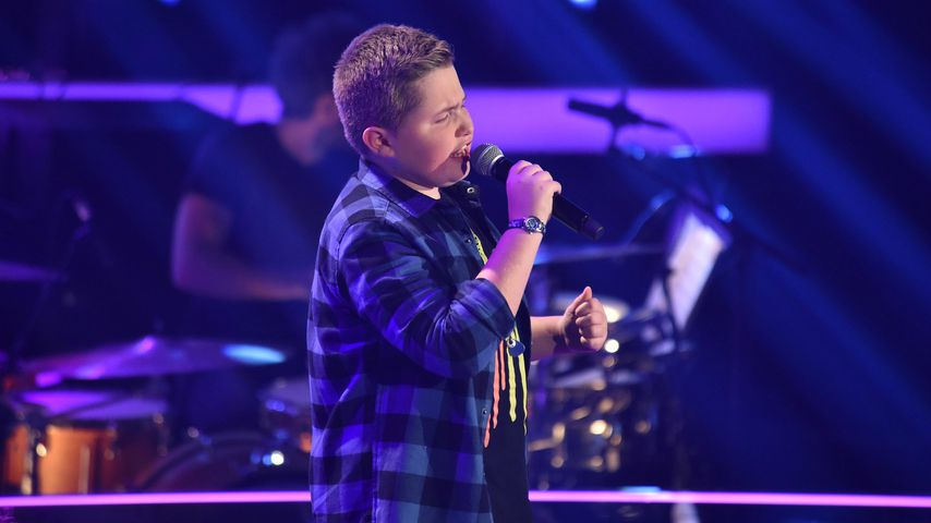 """The Voice Kids"": Mini-Rocker fegt Max & Co. von den Stühlen"