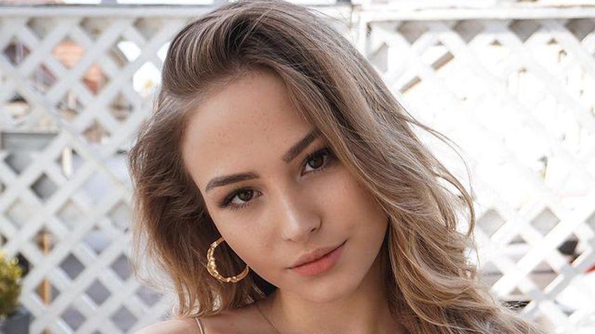 Model Amina