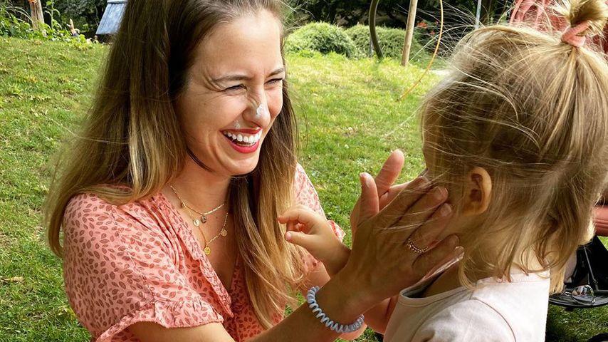 Mona Stöckli mit Tochter Clea
