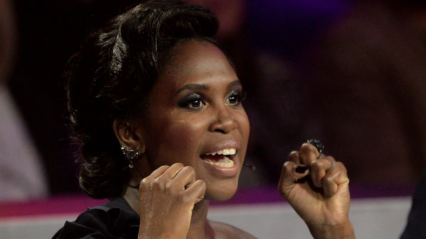 """Motsi Mabuse als Jurorin in der TV-Show """"Stepping Out"""""""