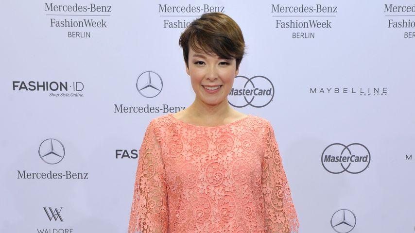 Funkelnder Babybauch! Nela Lee zeigt stolz ihr Bambi-Outfit