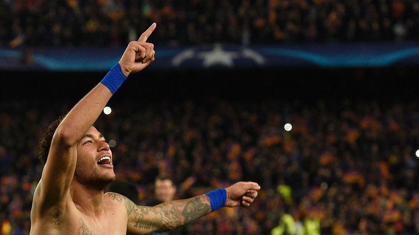 222-Millionen-Mann Neymar: Erstes Spiel, erstes Tor!