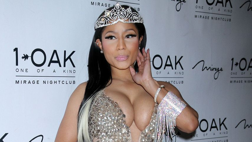 Nicki Minaj als Schwan