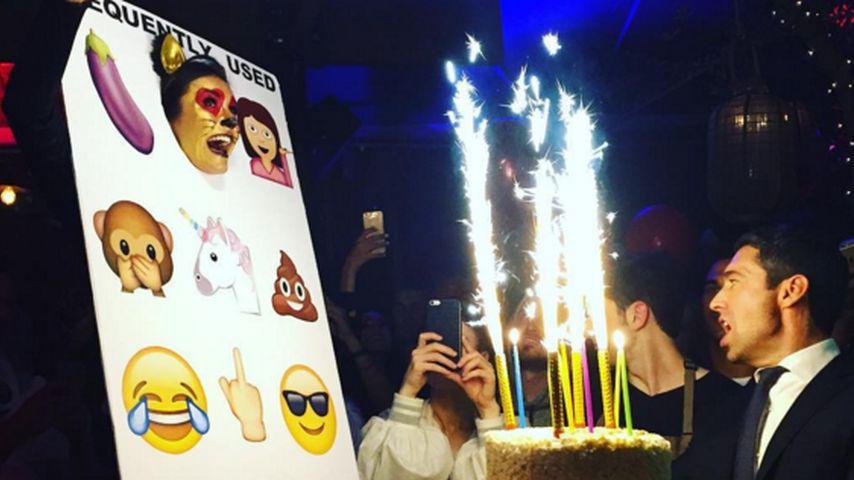 Emoji-Party: So verrückt feierte Nina Dobrev ihren 27. B-Day