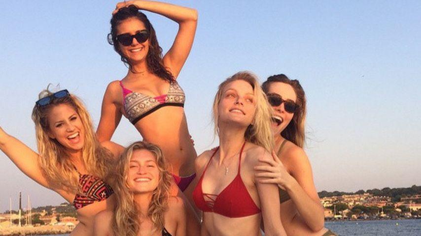 Mädels-Spaß: Sexy Nina Dobrev & ihre heißen Bikini-Babes