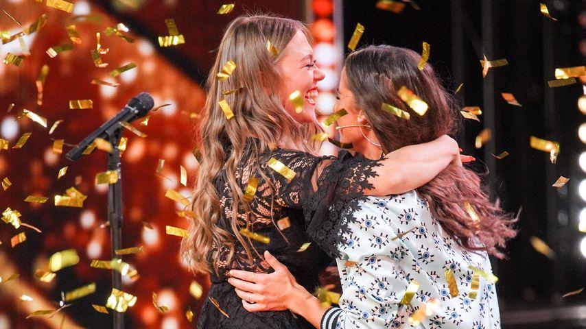 "Nina Richel und Sarah Lombardi bei ""Das Supertalent"""