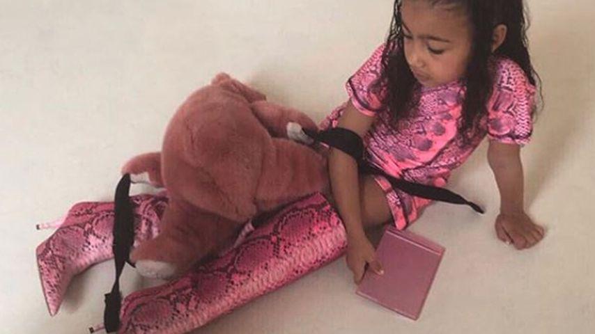 Fashionista: North trägt 775-Dollar-Stiefel von Mama Kim K.!