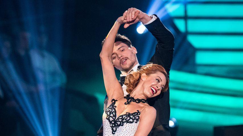 """Oana Nechiti und Bela Klentze in der Kennenlernshow von """"Let's Dance"""""""