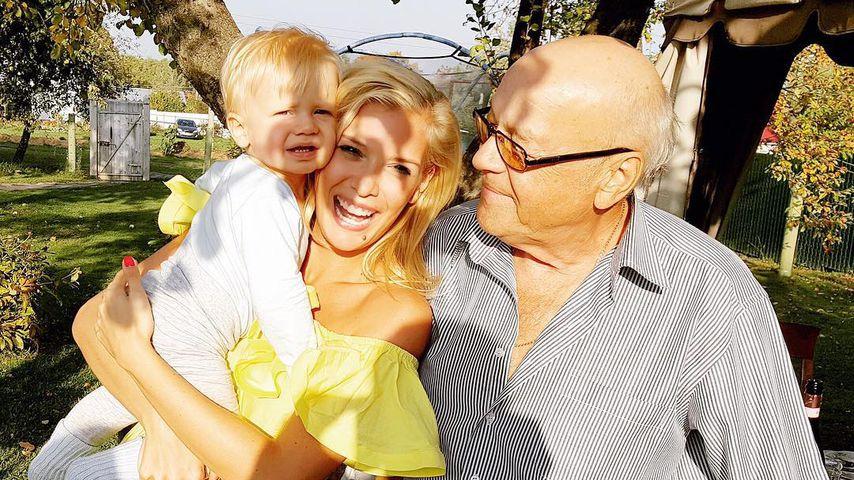 Oksana Kolenitchenko verabschiedet sich von totem Großvater
